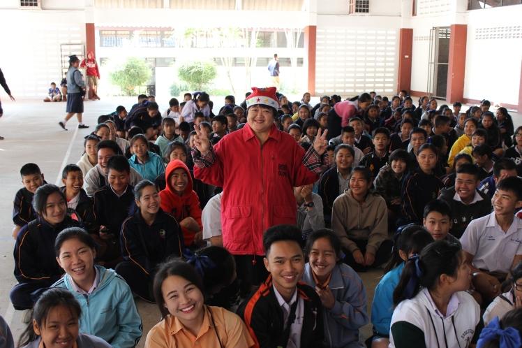 One of the nicest Thai teachers - Kru (Teacher) Tu - with the students.