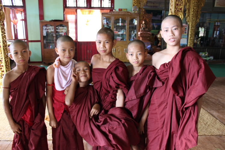 Some novice monks I met while exploring.